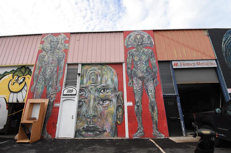カカアコのウォールアート群。はっと目を引くものがたくさんある。紹介しきれないので、これはごく一部だ