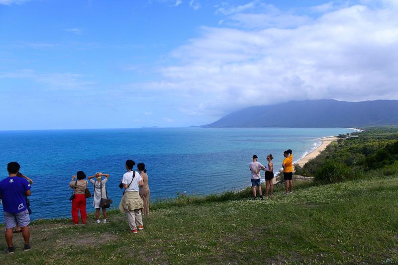 パラグライダーの出発場所としても人気の「REX LOOKOUT」で海の美しさを実感