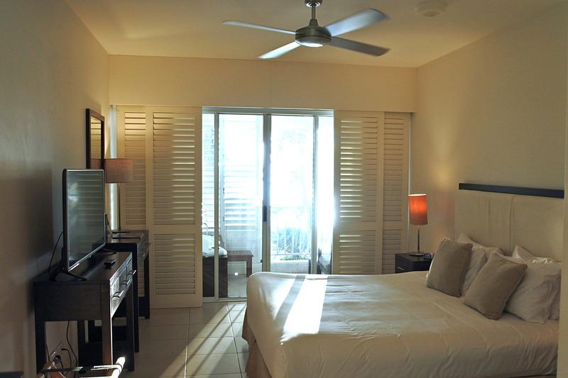 「Ocean Spa」の扉を開けると海の音とともに朝日が部屋を満たしていた