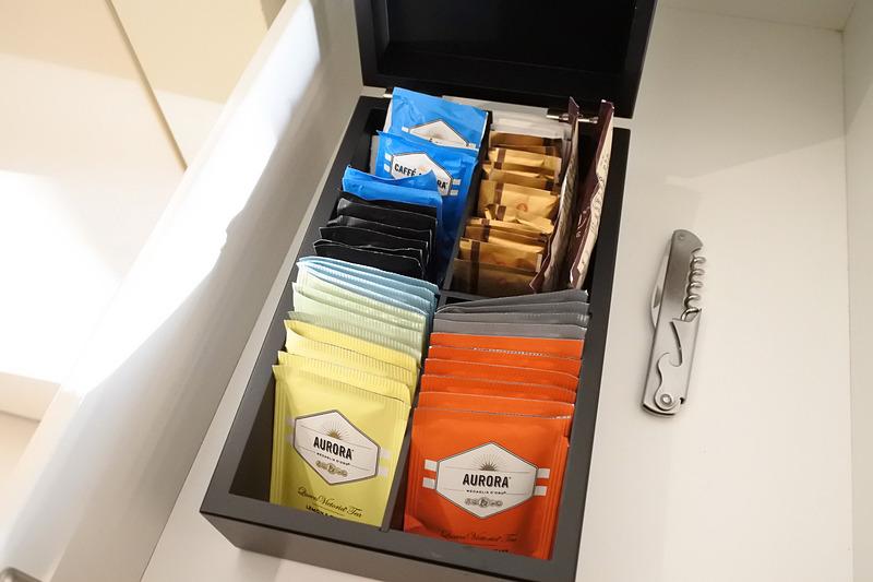 「AURORA」の紅茶と「Vittoria」のチョコレートドリンクもボックス内にイン