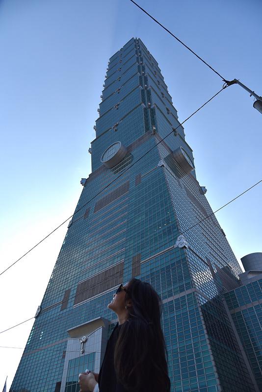 高さ500m以上の「台北101」へ
