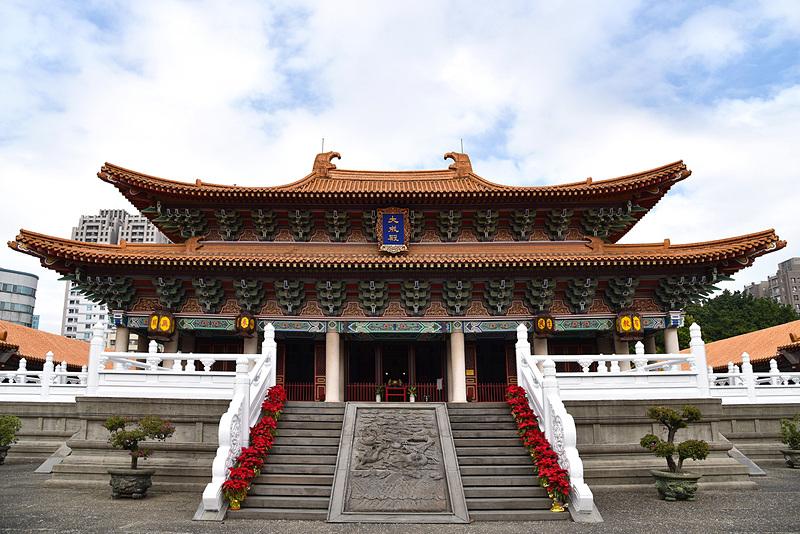 学問の神様として受験や資格取得で多くの人々が訪れる「台中市孔子廟」へ