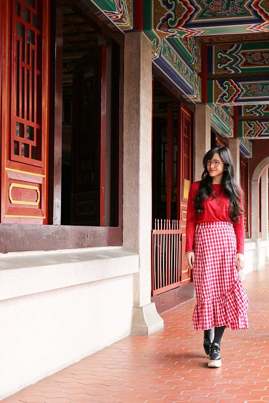 大成殿の周囲には、大成門から崇聖祠まで鮮やかに彩られた回廊が続く