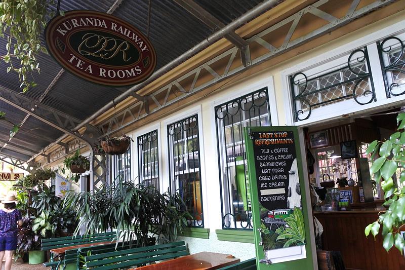 プラットホームのカフェ「KURANDA RAILWAY TEA ROOMS」