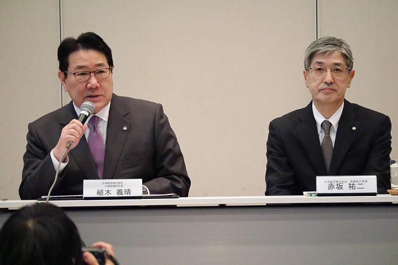植木義晴氏(左)と赤坂祐二氏(右)