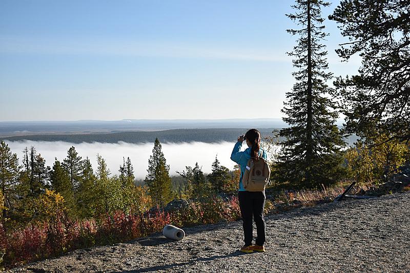 遮るものがない山の上。雲海を見下ろす絶景にあります