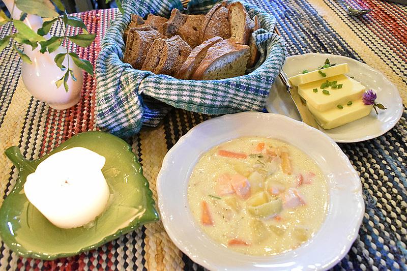 心まで温まっちゃうパンとスープ。フィンランドはスープが美味しい