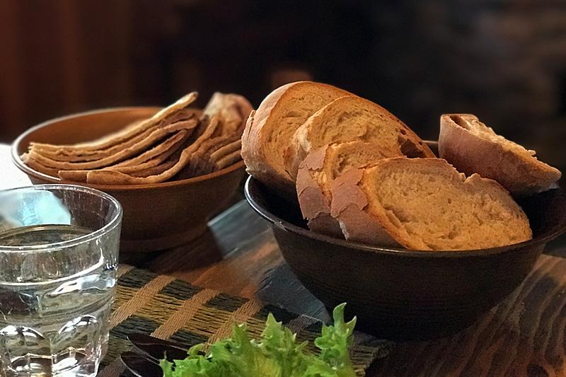 美味しかったパン。トナカイ肉が乗ったマッシュポテトはてんこ盛り