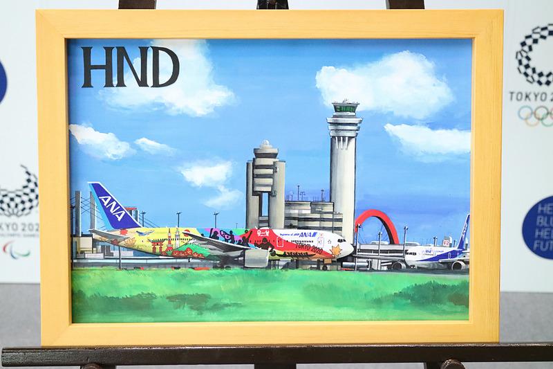 松本さんが描いた、日本各地の空港で活躍する「HELLO 2020 JET」のイラスト。新千歳(札幌)、羽田、伊丹、関西国際空港、那覇の6点が披露された