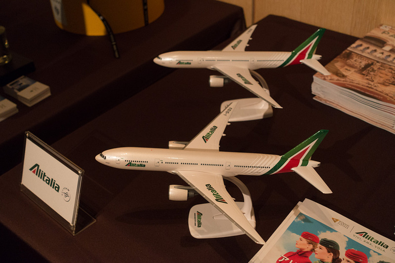 アリタリア-イタリア航空の模型やアレッシィなどが飾られていた