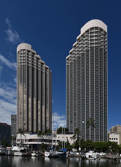 「Prince Waikiki(プリンス ワイキキ)」が、「トリップアドバイザー」の「ハワイ州オアフ島のホノルルエリア」にある84軒のホテルランキングにおいて、2017年7月から2018年1月まで7カ月連続で1位に選出されている
