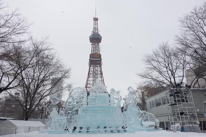 「第69回 さっぽろ雪まつり(69th SAPPORO SNOW FESTIVAL)」の大通会場が開幕した。約1週間にわたって大雪像や氷像が展示される