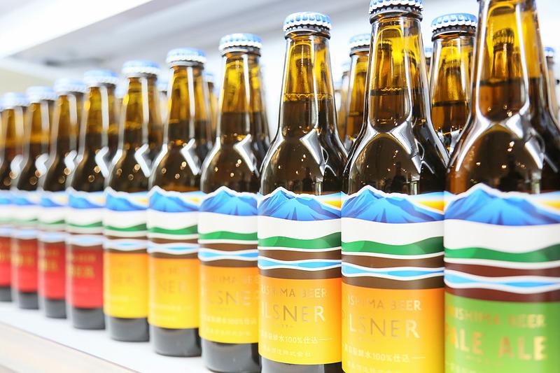 霧の蔵ブルワリーではオリジナルのクラフトビールを購入できるほか、夏期にはビアガーデンも営業する