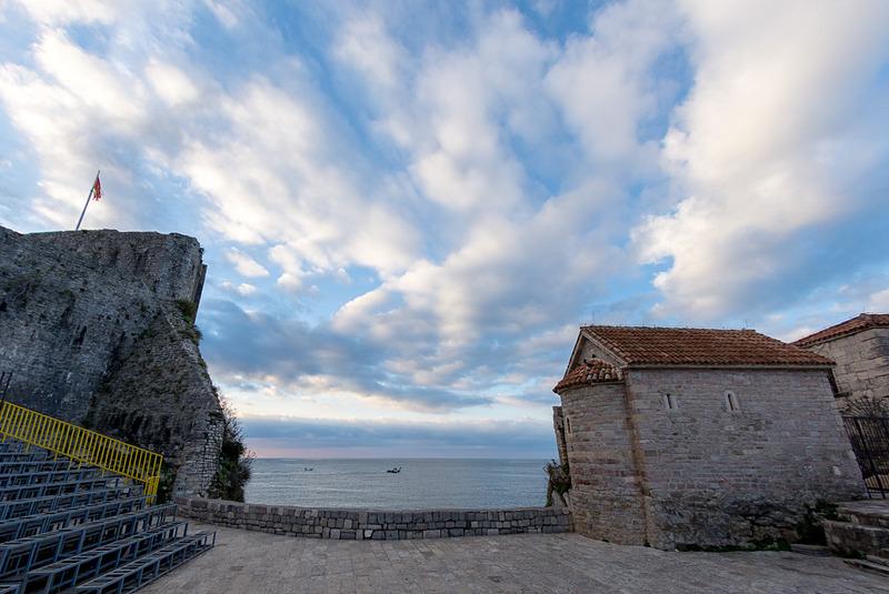 アドリア海に面するブドヴァ旧市街