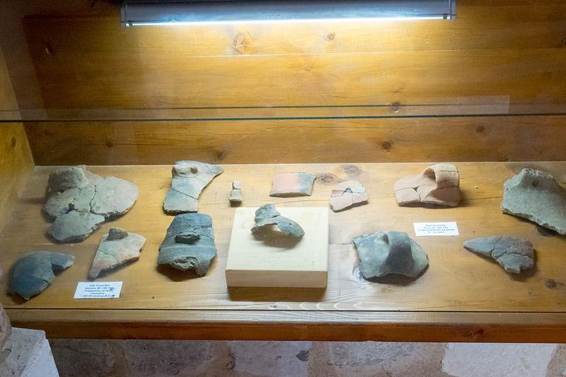 入り口近くにはバールでの発掘品を展示。新石器時代から中世、近代までさまざまな物が発掘されている
