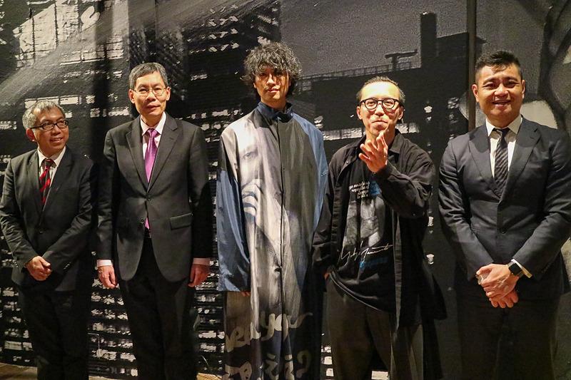 写真家レスリー・キーさんの写真展「Singapura(シンガプーラ)」が2月8日から13日まで東京・南青山のヨウジヤマモト 青山本店で開催される