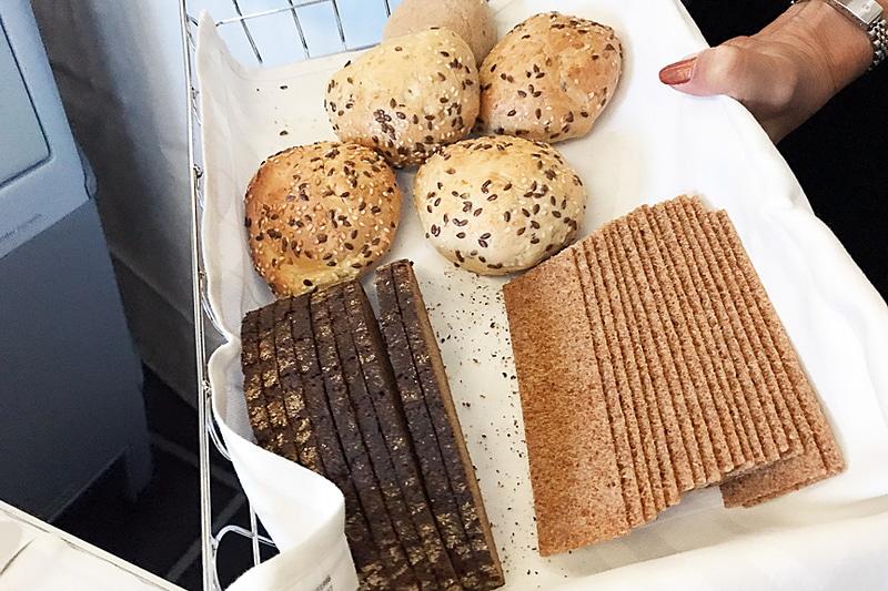 どれにしようかな? パンも豊富です