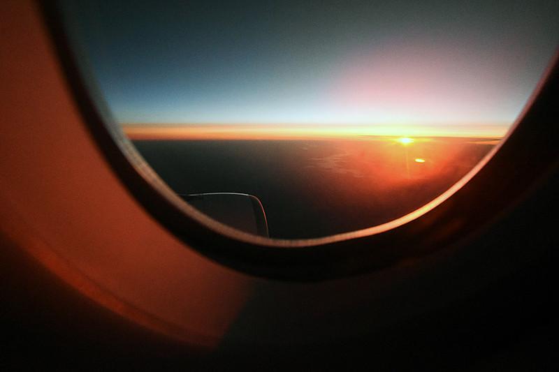 AY073便は翌朝8時55分に成田空港到着
