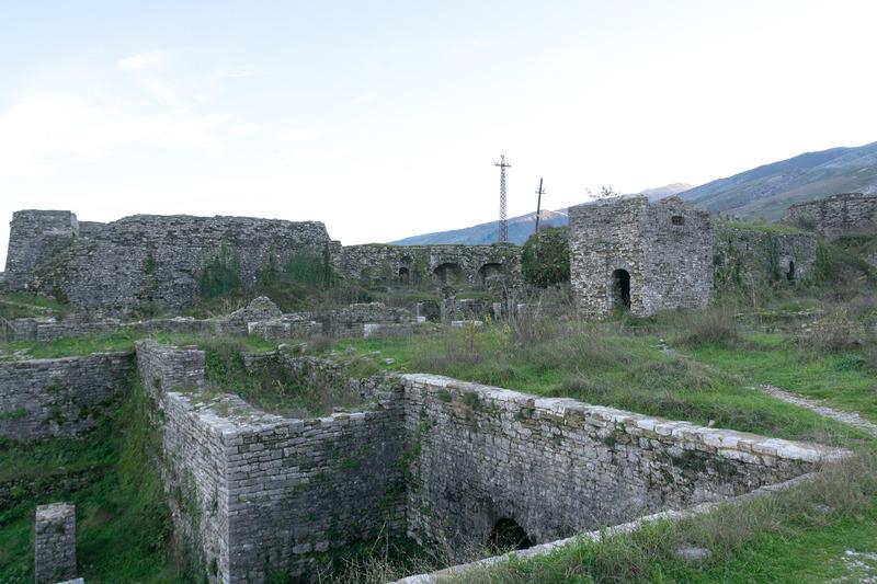 ジオカストラ城はとにかく広く、しかも至るところを散策(というか探検!?)し放題