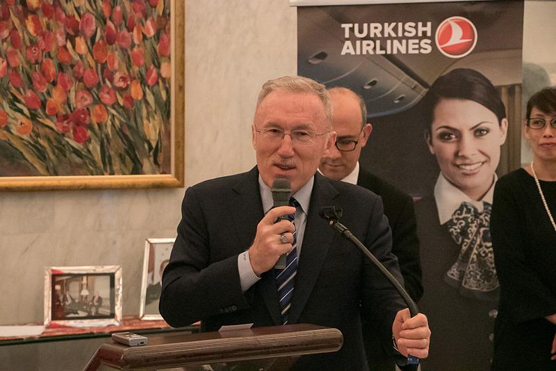 駐日トルコ共和国大使館において、「JATA(日本旅行業協会) トルコ視察報告会」を開いた。写真はトルコ共和国特命全権大使 ハサン・ムラット・メルジャン閣下