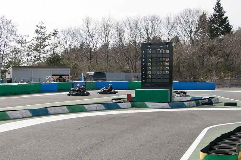 本格的なタイムアタックも可能な「レーシングカート」