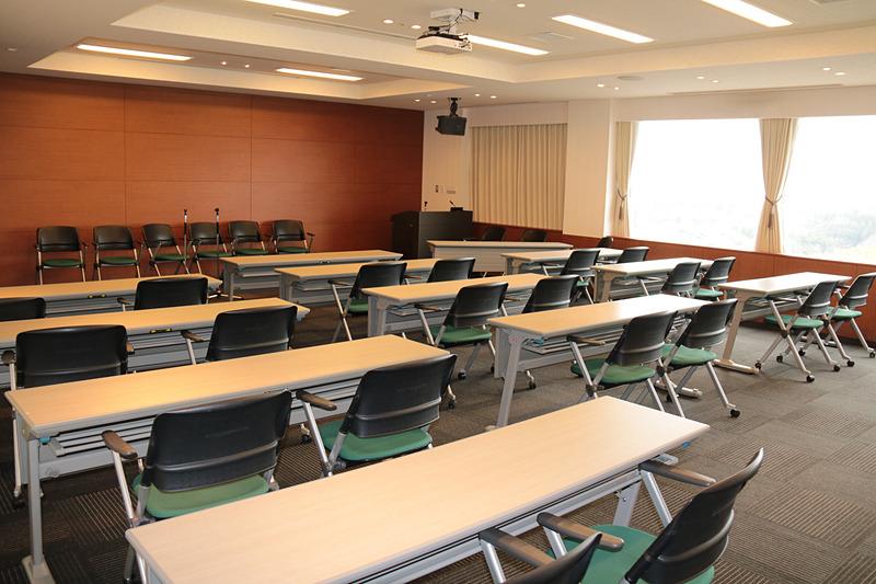 こちらは11階の「スカイルーム」と名付けられているビジネスユースにも適している会議スペース