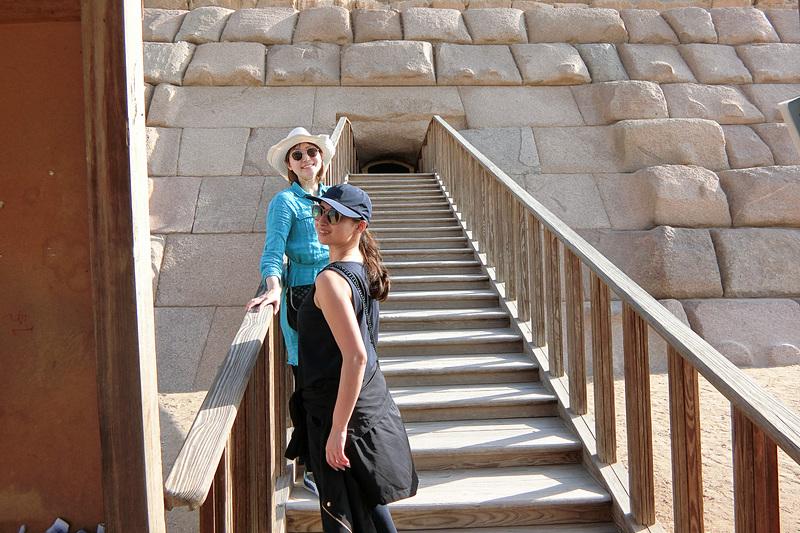 メンカウラー王のピラミッド入口