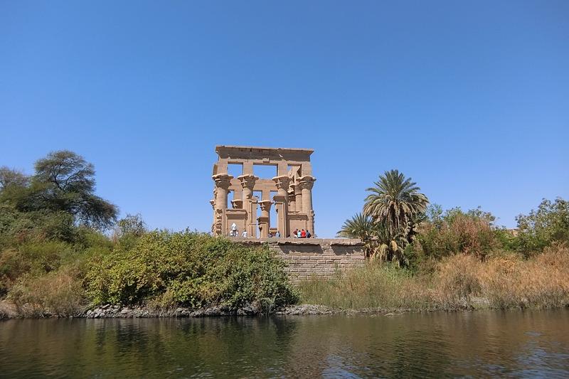 ナイル川から見たハトフル神殿