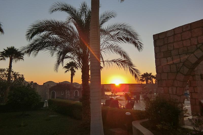 ホテルから見えた夕日