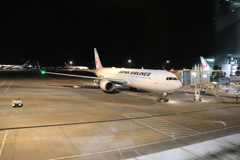 JALのJL786便は64番ゲート