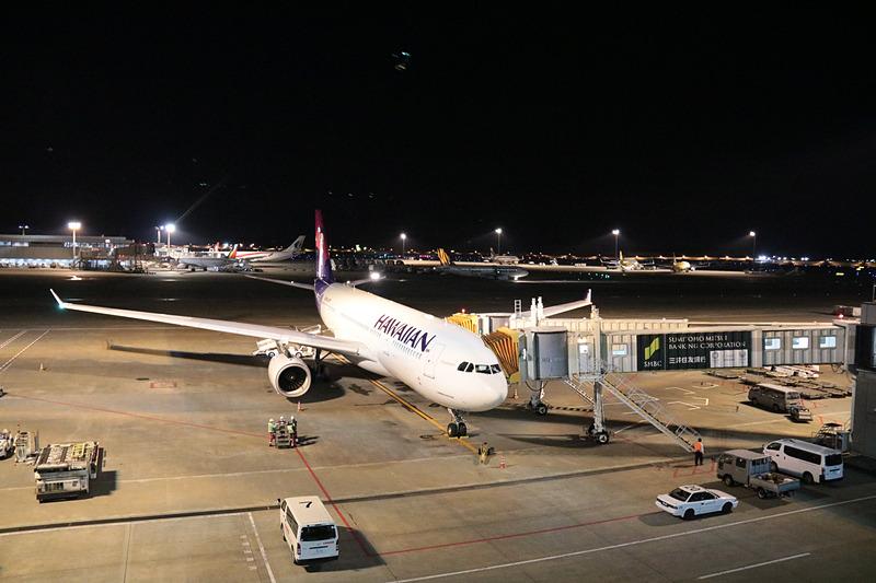 ハワイアン航空のHA822便は63番ゲート
