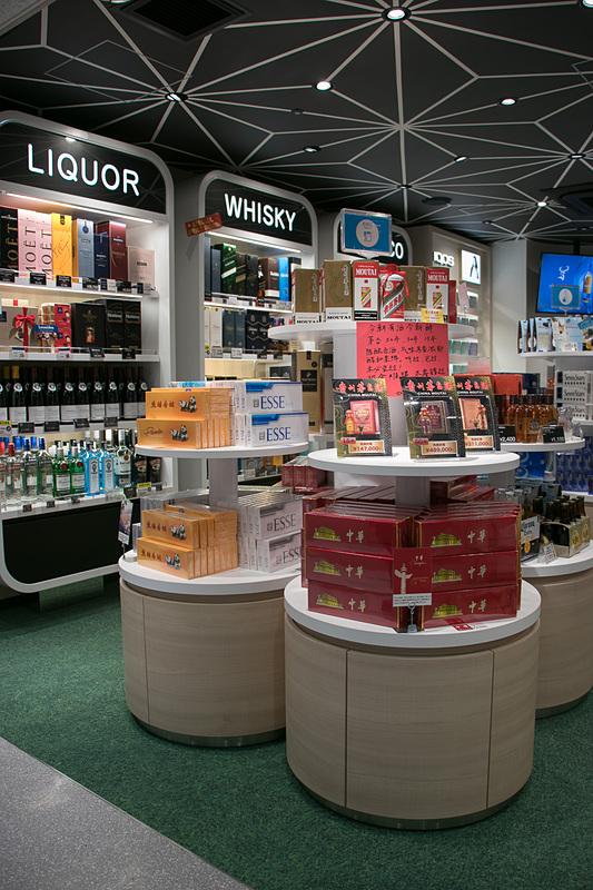 ワインやウイスキー、中国のお酒やビールも取り扱っている