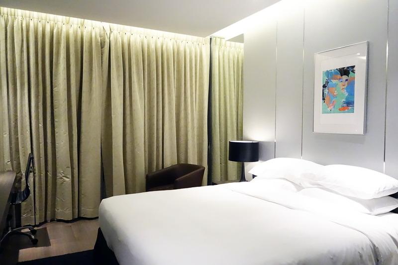 お部屋にはキングサイズのベッド