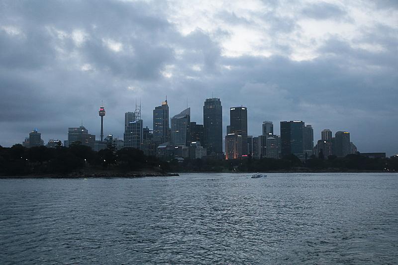 シドニー中心街。これから暗くなってくると夜景が楽しみだ