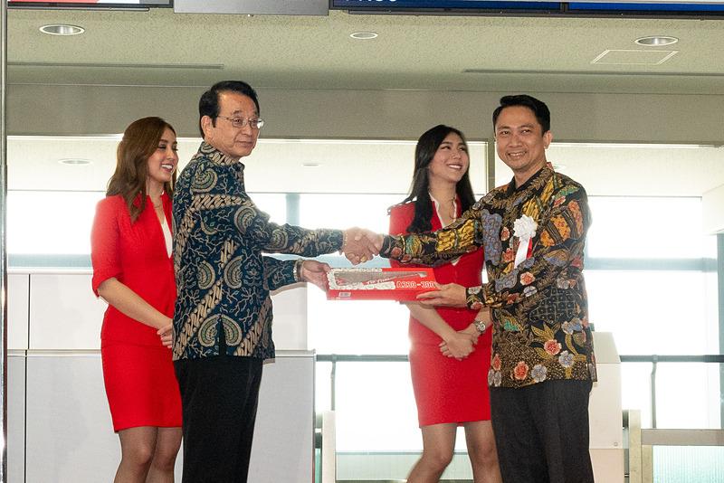 同じくインドネシア共和国観光省 ビジットインドネシアツーリズムオフィス 日本地区事務所代表 成田忠彦氏へ