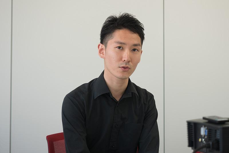 ゴスペルディレクターで、空飛ぶ合唱団の先生を務める長谷川繁さん