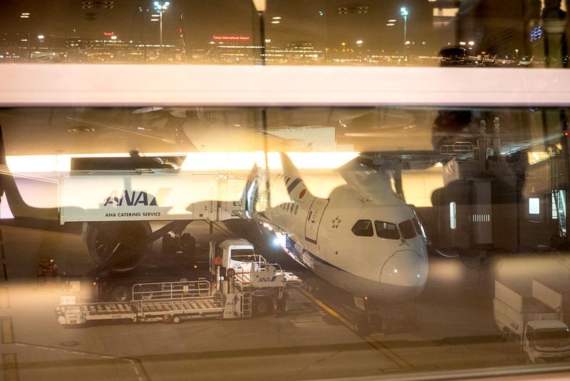 機材はボーイング 787-8型機(240席仕様)。この日は登録記号「JA878A」の機体を使用した