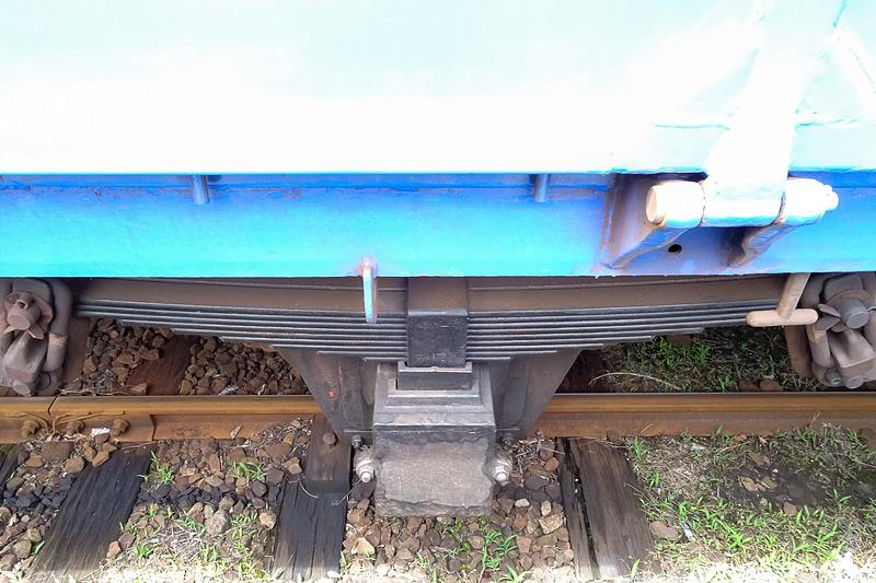 出発前からガイドがスタート。国鉄時代の貨車を使っている。そんな車両の特徴も説明があった
