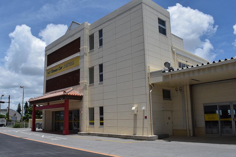 タイムズカーレンタル那覇空港店が7月2日にリニューアルオープンした