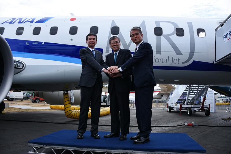 MRJの飛行展示後に三菱航空機が会見を開いた