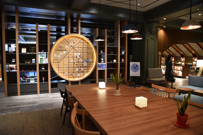 旭川での新しい発見をサポートしながら滞在客の憩いの場でもある「OMOベース」