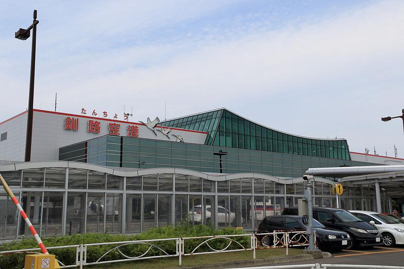 ピーチのカウンターは、釧路空港に入って一番左側(南側)に設置されている