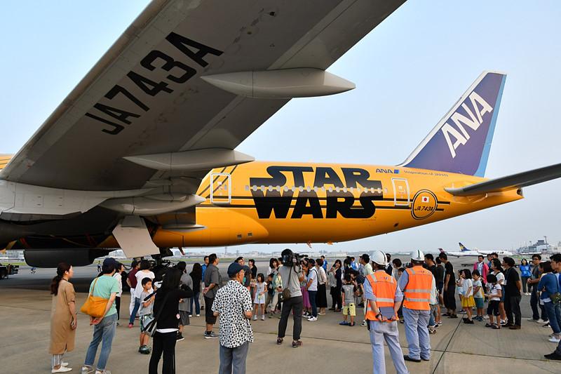今年はANAが航空機の説明を担当。ANAラインメンテナンステクニクスの坂井剛氏がC-3PO JETについて解説した