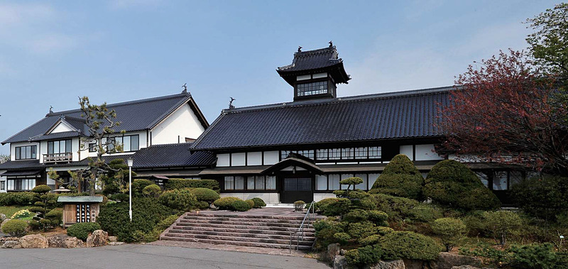 ニトリは北海道小樽市にある料亭・温泉旅館「銀鱗荘」の所有権を取得、子会社のニトリパブリックが8月20日から事業を引き継ぐ