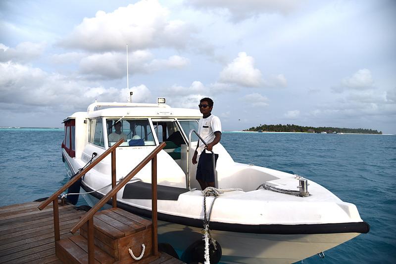 リゾートからスピードボートも駆けつけていた