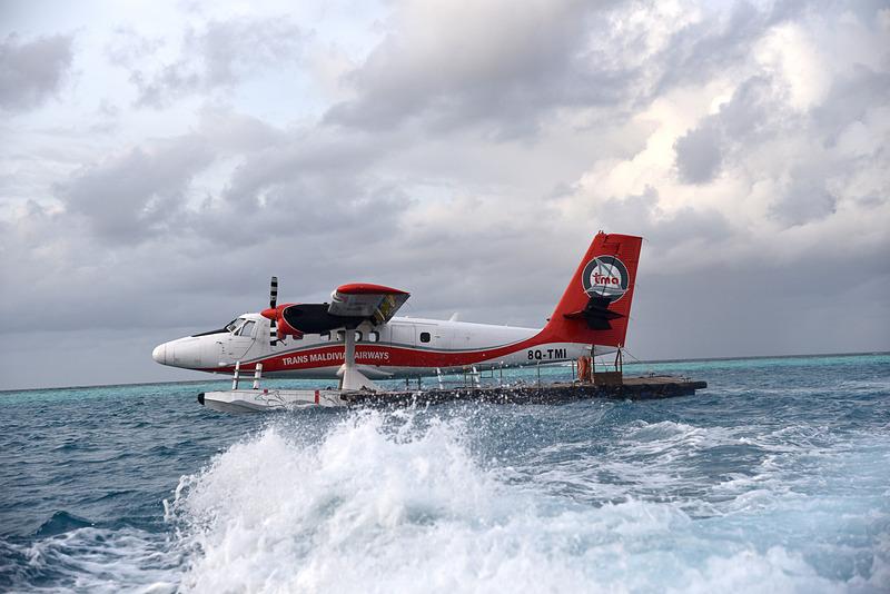 最終便のため水上機はこのまま明日の便まで待機となる