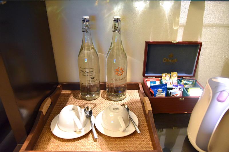 ボトル入りウォーターと無料のコーヒー、Dilmahの各種紅茶