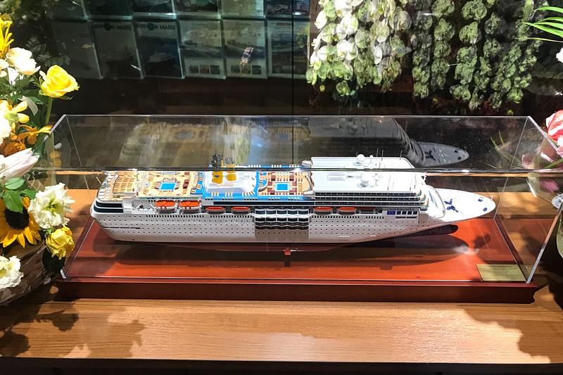 クルーズ船の模型も置いてある