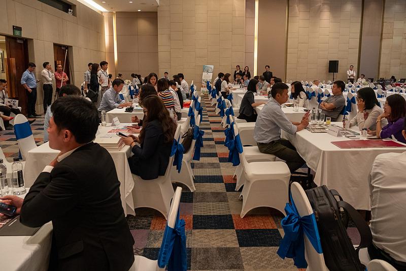 日本の旅行代理店と、現地の旅行関係業者とのマッチングの席には現地から17業者が参加