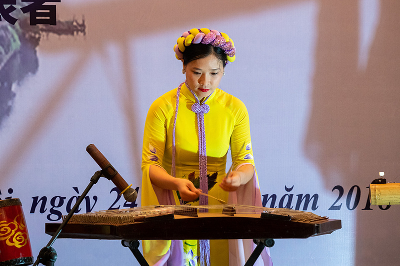 独特な音色を奏でる伝統楽器によるパフォーマンス